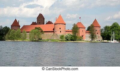 lake island castle