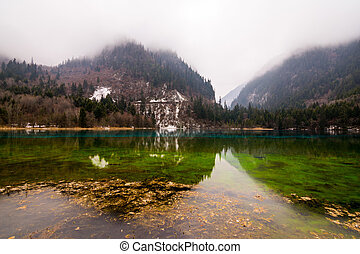 Lake Jiuzhaigou park
