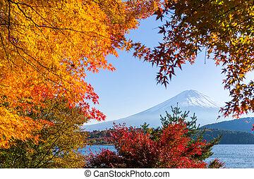 Lake kawaguchiko and Mt.Fuji in autumn season