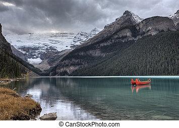 Lake Louise Glacier canoe and emerald color