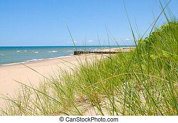 Lake Michigan Shoreline - The shoreline breakers of Lake ...