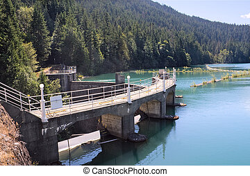 Lake Mills and Glines Canyon Dam