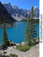Lake Moraine Vista - Spectacular Lake Moraine, located in...