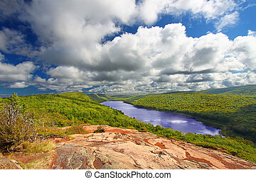 Lake of the Clouds Michigan - Lake of the Clouds Scenic ...