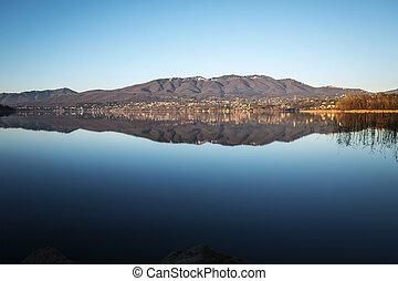 Lake of Varese, panorama