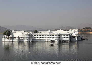 Lake Palace Udaipur Rajasthan India - the Lake Palace in...