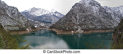 Lake Pivsko