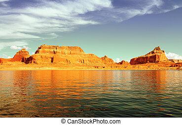 lake Powell and Glen Canyon, Arizona and Utah, USA