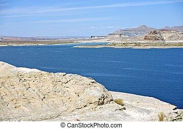 Lake Powell Scenery