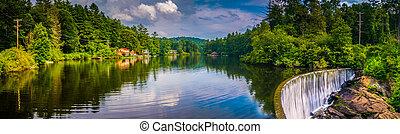 Lake Sequoyah and a dam in Highlands, North Carolina.