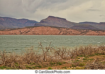 Lake Storm - Mountain Storm forming over Roosevelt lake ...