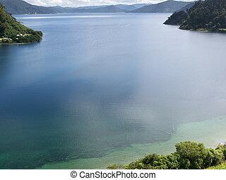 Lake Waikaremoana in Urewera NP North Island of NZ - ...
