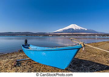 Lake Yamanaka in sunny day with Mt. Fuji, Yamanashi, Japan