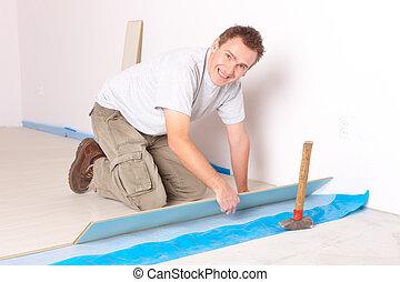 laminated, arbeider, installering vloerend