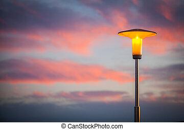 lampada, strada, tramonto