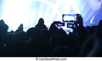 lampe électrique, smartphones, mains, gens, onduler