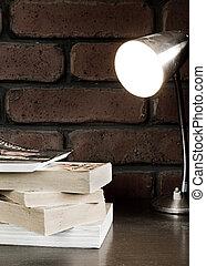 lampe, livres