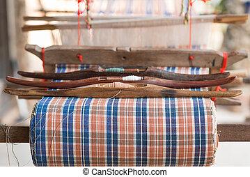 lançadeira, tecendo, ferramenta, ligado, a, antigüidade, tear, e, fio, tradicional, tailandês, tecendo, máquina