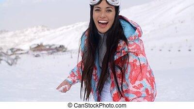 lancement, boule de neige, femme, jeune, rire