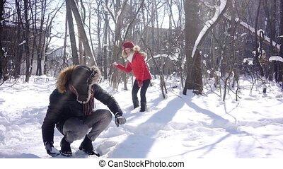 lancement, type, humeur, elle, femme, hiver, espiègle, boule de neige