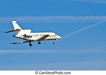 Landing Aircraft / Private Jet
