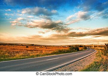landlig vej, og blå, himmel, hos, skyer