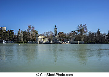 Landscape, Lake in Retiro park, Madrid Spain