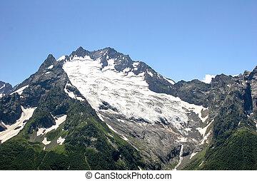 Landscape mountain peak in fine weather