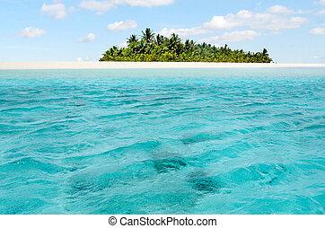 Landscape view of Honeymoon island in Aitutaki Lagoon Cook Islands.