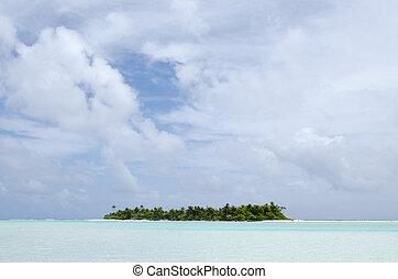Landscape of tropical island in Aitutaki Lagoon Cook Islands.