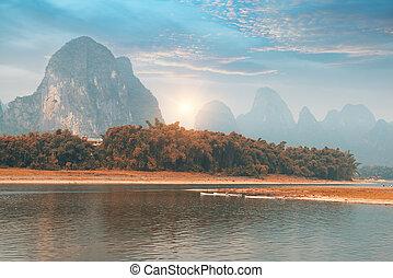 landschaftsbild, in, yangshuo, guilin, porzellan