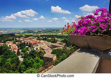 landwirtschaftlich, landschaftsbild, mit, altes , dorf, in, toscana