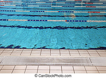 lane swimming races in the olympic swimming pool empty