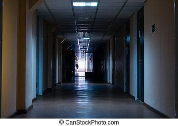 gang t r brauner boden langer t ren holz ende korridor roter teppich. Black Bedroom Furniture Sets. Home Design Ideas