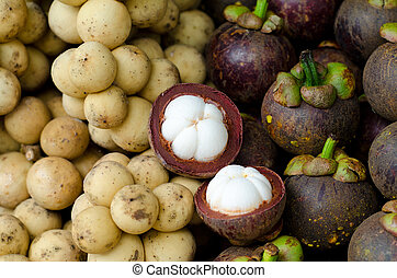 Lansium domesticum and mangosteen