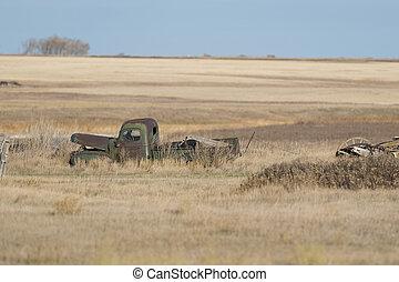 lantgård gärde, lastbil, gammal, övergiven