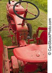 lantgård, gammal, röd traktor