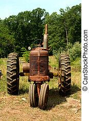 lantgård, rostig, gammal, traktor