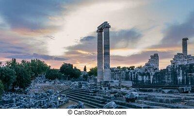 lapse., spectaculaire, 4k, temps, levers de soleil, didim, plus grand, mondiale, turquie, apollo, ruines, temple