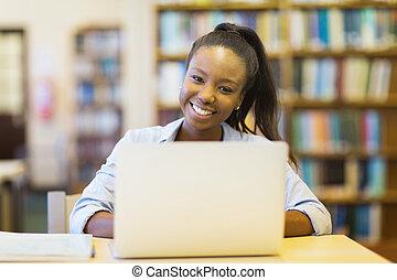 laptop, americano, computador, estudante, africano, usando, universidade