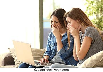 laptop, companheiros quarto, linha, preocupado
