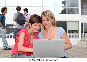 laptop-computer, collegecampus, schueler