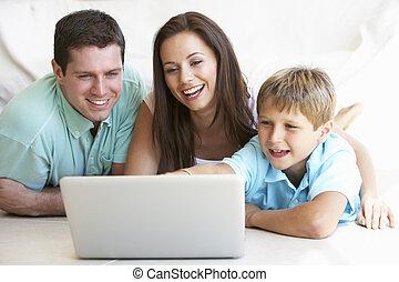 laptop computer, gyermek, fiatal, szülők
