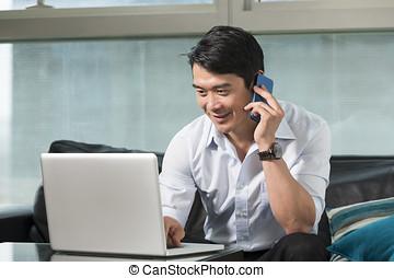 laptop, człowiek, pracujący, handlowy, asian