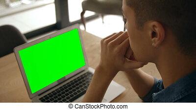 laptop, dom, człowiek, 4k, posiedzenie