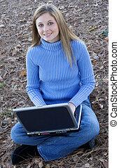 laptop, dziewczyna