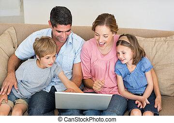 laptop, használ, pamlag, együtt, család