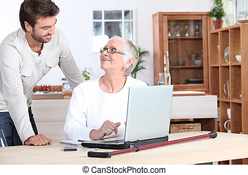 laptop, kvinna, äldre