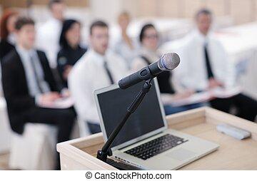 laptop, ligado, conferência, fala, pódio