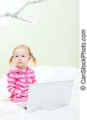 laptop, menininha
